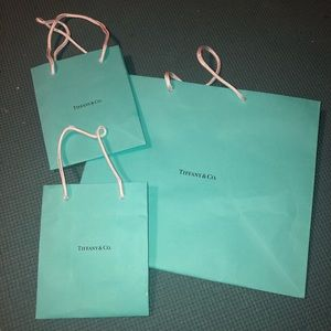 Tiffany & Co shopping bag